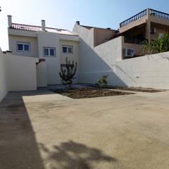 Moradia T5 Alverca: Terraços  por EU LISBOA