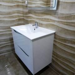 Moradia T5 Alverca: Casas de banho  por EU LISBOA