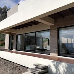 DECKS: Terrazas de estilo  por IngeniARQ Arquitectura + Ingeniería