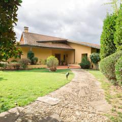 Private Villa, Tuscany: Giardino in stile  di Sammarro Architecture Studio