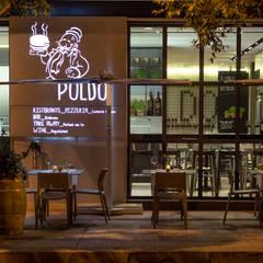 Poldo Restaurant: Gastronomia in stile  di Sammarro Architecture Studio
