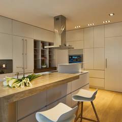Private Apartment in Crotone: Cucina in stile in stile Moderno di Sammarro Architecture Studio