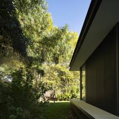CTN HOUSE: Maison individuelle de style  par Brengues Le Pavec architectes