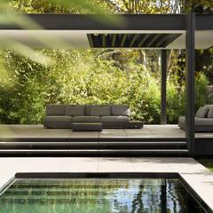 CTN HOUSE: Piscines  de style  par Brengues Le Pavec architectes