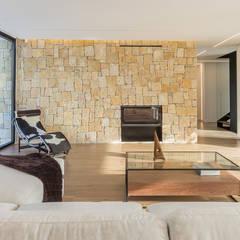 Cumbres : Comedores de estilo  de Chiralt Arquitectos