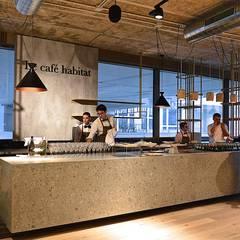 LE CAFÉ HABITAT: Gastronomia in stile  di Flussocreativo design studio