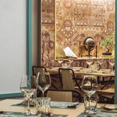 DHABBU L'ASIATICO: Gastronomia in stile  di Flussocreativo design studio