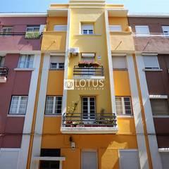 Apartamento na Graça: Casas  por Lotus Imobiliária