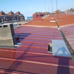 Flat roof by MAU ALBAÑILERIA EN GENERAL SL,