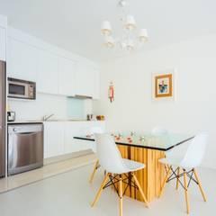Wellness Retreat : Salas de jantar modernas por Presprop - Portugal Construction