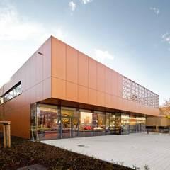 Nahversorgungszentrum Dresden, SchnorrStraße, A+M Architekten:  Gastronomie von Ken Wagner Photography