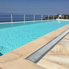 Infinity pool by RS Piscine Group s.r.l.s.