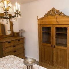 Vitrinenschrank Im Landhausstil: Landhausstil Wohnzimmer Von Antik Karl