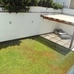 JARDÍN: Jardines de estilo  por L&E Inmobiland