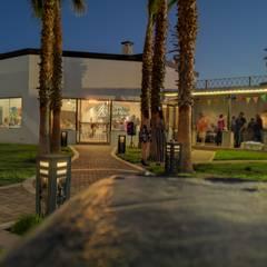Jarín y salon de eventos: Jardines de estilo  por EstigmArq Arquitectos