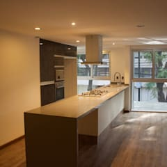 Built-in kitchens by AREMI COCINAS