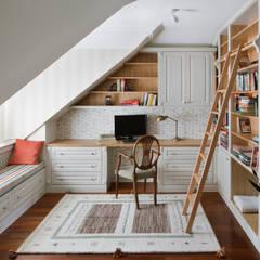 Klasyka pod Warszawą: styl , w kategorii Domowe biuro i gabinet zaprojektowany przez Pracownia Projektowa Poco Design