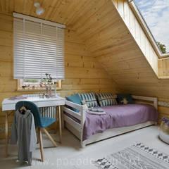 Letnisko z bali: styl , w kategorii Pokój dziecięcy zaprojektowany przez Pracownia Projektowa Poco Design