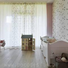 Ćwierkanie na ścianie: styl , w kategorii Pokój dziecięcy zaprojektowany przez Pracownia Projektowa Poco Design