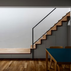 Stairs by 遠藤誠建築設計事務所(MAKOTO ENDO ARCHITECTS)