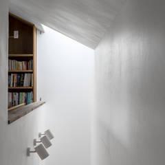 Dinding by 遠藤誠建築設計事務所(MAKOTO ENDO ARCHITECTS)