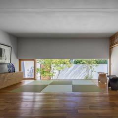 غرفة الميديا تنفيذ 遠藤誠建築設計事務所(MAKOTO ENDO ARCHITECTS)