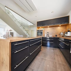 مطبخ تنفيذ STRICK  Architekten + Ingenieure , حداثي
