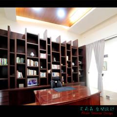Estudios y despachos de estilo rústico por 艾莉森 空間設計