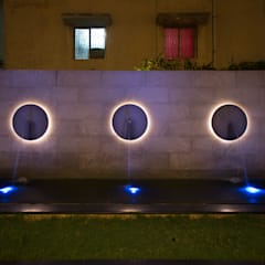 An ethereal aura in the space.:  Garden by Kembhavi Architecture Foundation