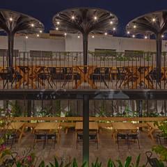Sunrise Garden Restaurant:  Bars & clubs by M9 Design Studio
