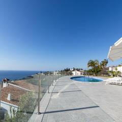 Home Staging y Fotografía en Villa Dorada: Terrazas de estilo  de Home & Haus | Home Staging & Fotografía