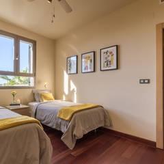Home Staging y Fotografía en Villa Vista del Mar: Dormitorios de estilo  de Home & Haus | Home Staging & Fotografía