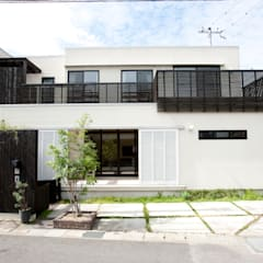 栗東の家: Abax Architectsが手掛けた一戸建て住宅です。
