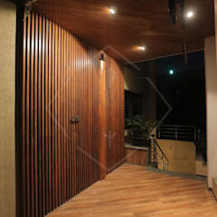 SPACCE INTERIORS의  현관문