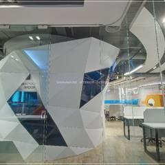 Offices & stores by 三宅一秀空間創藝有限公司