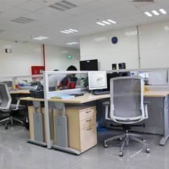 NHÀ MÁY AMWAY MỚI TẠI BÌNH DƯƠNG:  Văn phòng & cửa hàng by CÔNG TY TNHH SXTM DV & TRANG TRÍ NỘI THẤT VĂN NAM