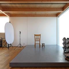 ディライトワークス 新築工事: Echizen Ryouta Design Laboratoryが手掛けたオフィススペース&店です。