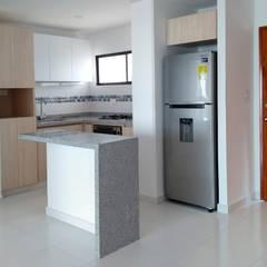 Remodelamos tu apartamento de Remodelar Proyectos Integrales Moderno Tablero DM