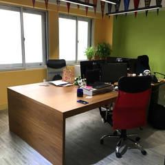 Office buildings by 捷士空間設計