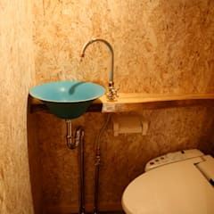 トイレ: 株式会社高野設計工房が手掛けた浴室です。