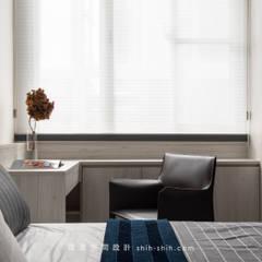 羅斯福路陳公館:  臥室 by 湜湜空間設計