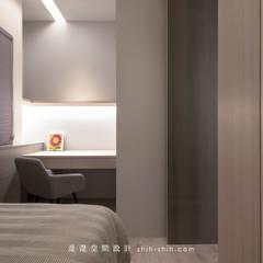 room 2:  臥室 by 湜湜空間設計
