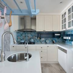 台中 - 科博:  廚房 by 禾廊室內設計
