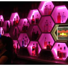 Bars & clubs door DISEÑO DE BARES Y RESTAURANTES B&Ö  Arquitectura, decoración, diseño de interiores y Muebles