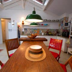 SUPER LOFT: Salas de jantar  por Fernando Menezes Arquitetura