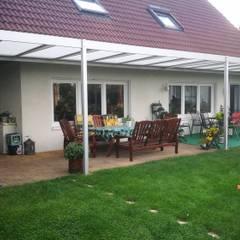 Überdachung Terrasse:  Terrasse von Montage & Design Gunter Uhlig
