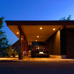 Garage/shed by 金田博道建築研究所株式会社, Eclectic Wood Wood effect