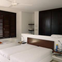CASA MESA DE YEGUAS V-40: Habitaciones de estilo  por NOAH Proyectos SAS