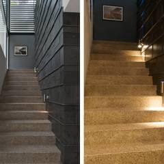 CASA MILAGRO: Escaleras de estilo  por RGR Arquitectos + Urban Strategy