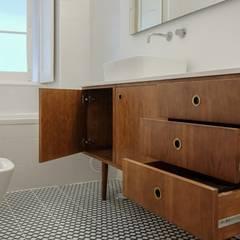 Apartamento T3 Amoreiras - Lisboa: Casas de banho  por EU LISBOA,Moderno